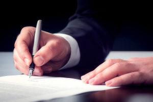 Wie beantrage ich das Adhäsionsverfahren? Unser Antragsformular bietet einen ersten Anhaltspunkt.