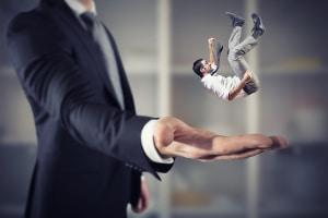 Der eine oder andere Anwalt ist auf Mobbing spezialisiert und kann Sie umfassend zu Ihren rechtlichen Möglichkeiten beraten.