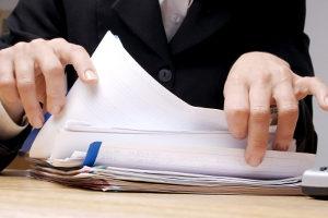 Anzeige wegen einer Ohrfeige: Bezüglich der Folgen kann anwaltlicher Rat hilfreich sein.