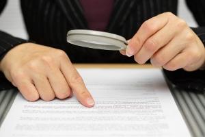 Die Strafaussetzung zur Bewährung ist an zahlreiche Bedingungen geknüpft.