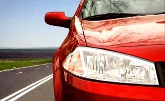 Der Blechschaden wird vom Schmerzensgeld nach einem Autounfall nicht erfasst. Dieses deckt nur den immateriellen Bereich ab.