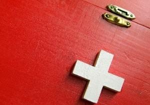 Haftungsbeschränkung: Ein Arbeitsunfall rechtfertigt Schmerzensgeld nicht unweigerlich.