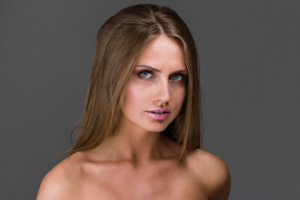 Bedenken Sie vor dem Permanent Make-up, dass dieses Schmerzen und allergische Reaktionen verursachen kann.