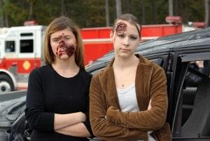 Schmerzensgeld bei Autounfall: Als Anspruchsgrundlage sind Schürfwunden oder Brüche ebenso möglich wie Schockschäden und Schleudertraumata.