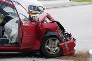 Das Schmerzensgeld nach einem Autounfall trägt den typischen Unfallrisiken im Straßenverkehr Rechnung.