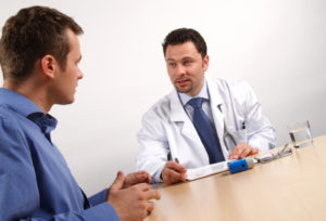 Das Schmerzensgeld nach einem Behandlungsfehler soll dem Patienten als Genugtuung für die erlittenen Schmerzen dienen.