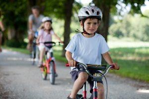 Schmerzensgeld bei einem Fahrradunfall ist in der Regel unabhängig vom Tragen eines Helmes.