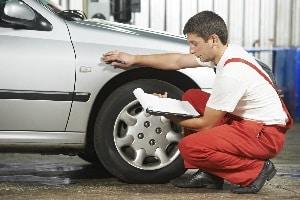 Oftmals erfordert das Schmerzensgeld bei einem Schleudertrauma ein unfallanalytisches Technikgutachten des Fahrzeuges.