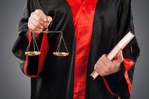 Schmerzensgeld wegen Verleumdung ist eine Frage des Zivilrechts und zu unterscheiden von der strafrechtlichen Verfolgung.