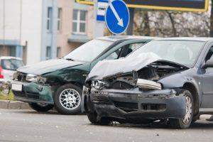 Sie haben einen Unfall erlitten. Steht Ihnen Schmerzensgeld bei einem Oberschenkelhalsbruch zu?